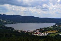 Vista do lago Lipno imagens de stock
