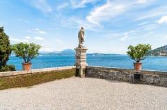 A vista do lago Maggiore da ilha Madre, é uma das ilhas de Borromean, Itália Fotografia de Stock Royalty Free