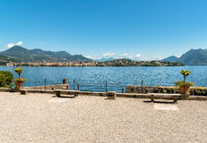 A vista do lago Maggiore da ilha Madre, é uma das ilhas de Borromean, Itália Foto de Stock Royalty Free