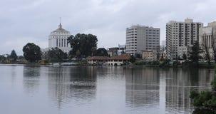 Vista do lago Merritt, Oakland Califórnia 4K vídeos de arquivo
