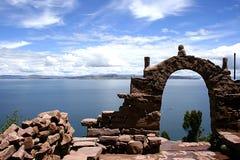 Vista do lago Titicaca de isla del solenóide Foto de Stock