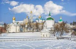 Vista do Lavra em Sergiev Posad foto de stock