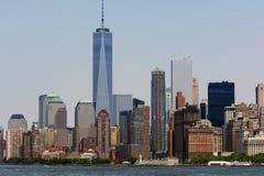 Vista do Lower Manhattan da balsa de Staten Island, New York Fotos de Stock