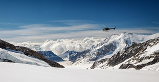 Vista do maciço de Eiger, de Monch e de Jungfrau, cumes suíços, Suíça, Europa Fotografia de Stock
