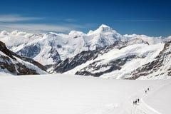 Vista do maciço de Eiger, de Monch e de Jungfrau, cumes suíços, Suíça, Europa Imagem de Stock