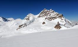 Vista do maciço de Eiger, de Monch e de Jungfrau, cumes suíços, Suíça, Europa Foto de Stock