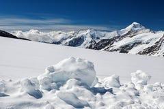 Vista do maciço de Eiger, de Monch e de Jungfrau, cumes suíços, Suíça, Europa Imagens de Stock Royalty Free