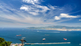 Vista do mar e da costa da parte superior da montanha, gibraltar Fotos de Stock Royalty Free
