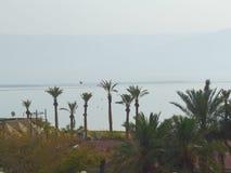 Vista do Mar Morto na estrada a Ein Bokek fotos de stock