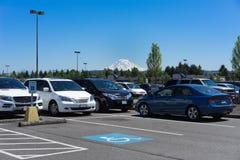 Vista do Monte Rainier do parque de estacionamento Imagem de Stock
