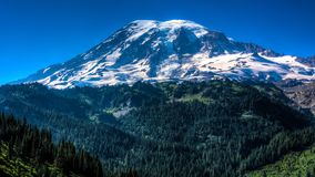 Vista do Monte Rainier no estado de Washington fotografia de stock