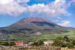 Vista do Monte Vesúvio em um dia ensolarado Imagem de Stock Royalty Free
