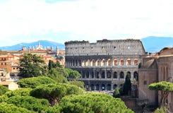 Vista do monumento nacional ao Colosseum, Roma foto de stock