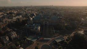 Vista do Museu Nacional Rijksmuseum no Museumplein, Amsterdão, Países Baixos vídeos de arquivo