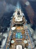 Vista do navio de cruzeiros de Gandola a bordo do hino dos mares fotografia de stock royalty free