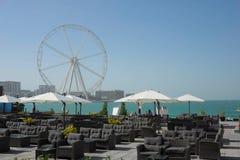 Vista do olho de Dubai e do Dubai Ferris Wheel em JBR Dubai - UAE 22 DE JANEIRO DE 2018 fotos de stock