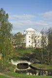 Vista do palácio e da ponte clássicos Foto de Stock Royalty Free
