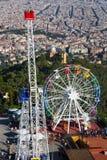 Vista do parque de diversões sobre Tibidabo em Barcelona Fotografia de Stock