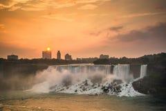 Vista do parque de Niagara Falls imagens de stock royalty free