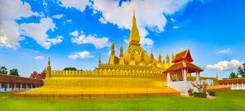 Vista do Pha que templo Vientiane, Laos Panorama Fotos de Stock Royalty Free