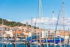Vista do porto com iate, Sete, França Close-up fotos de stock