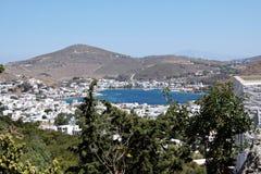 Vista do porto da ilha de Patmos imagem de stock royalty free