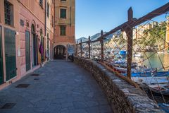 Vista do porto de Camogli, Genoa, Itália fotografia de stock royalty free