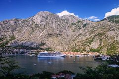 Vista do porto de Kotor, Montenegro Fotografia de Stock Royalty Free