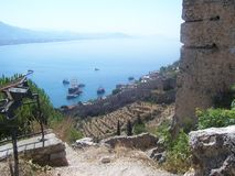 Vista do porto e da baía de Alanya do castelo de Alanya, Turquia Fotografia de Stock Royalty Free