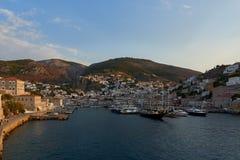 Vista do porto e da cidade do Hydra Imagem de Stock