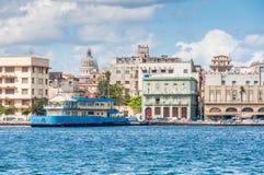 Vista do porto em Havana, Cuba fotografia de stock royalty free