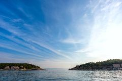 Vista do porto no mar de adriático em Makarska fotos de stock