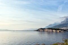Vista do porto no mar de adriático em Makarska fotografia de stock royalty free