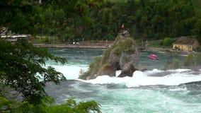 Vista do Rhine Falls Rheinfall em Suíça - um do maiores em Europa vídeos de arquivo