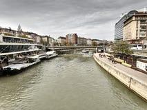 Vista do rio de Danubio em Viena fotos de stock