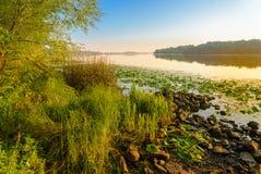 Vista do rio de Dniper na manhã fotos de stock royalty free
