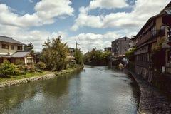 Vista do rio de Hozu em Arashiyama imagens de stock royalty free