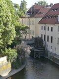Vista do rio de Vltava Ponte sobre o rio de Vltava foto de stock royalty free