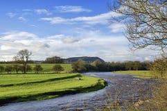 Vista do rio Ribble, perto de Clitheroe. fotos de stock royalty free