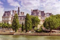 Vista do rio Seine e da maioria de cidades bonitas no mundo - Imagem de Stock