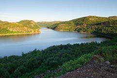 Vista do rio Teriberka em Kola Peninsula Imagens de Stock Royalty Free