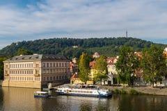 Vista do rio Vltava de Praga foto de stock