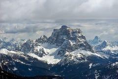 Vista do Sass Pordoi na parte superior de Val di Fassa Fotos de Stock