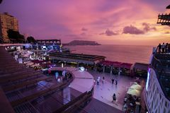 Vista do shopping de Larcomar em Miraflores foto de stock