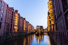 Vista do Speicherstadt, igualmente chamada cidade de Hafen, em Hamburgo, Fotos de Stock Royalty Free