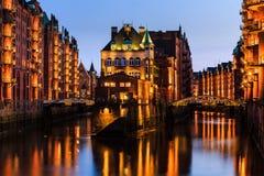 Vista do Speicherstadt, igualmente chamada cidade de Hafen, em Hamburgo, fotografia de stock royalty free