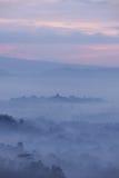 Vista do templo de Borobudur do monte de Bukit Punthuk Setumbu no nascer do sol Imagens de Stock Royalty Free