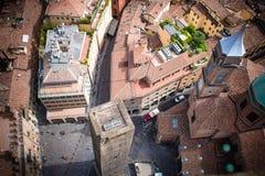 Vista do Torre Degli Asinelli na Bolonha, Emilia Romagna, Itália fotos de stock royalty free