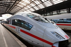Vista do trem expresso interurbano Fotos de Stock