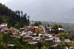 Vista do vale de Kulu, Índia Foto de Stock